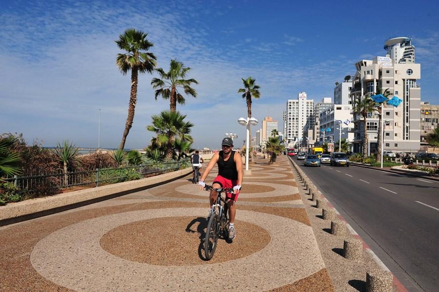 Велосипедист в Израиле