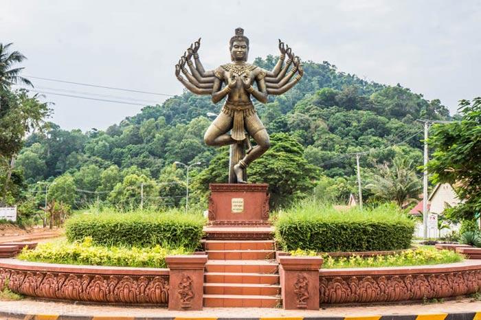 Статуя в Камбодже